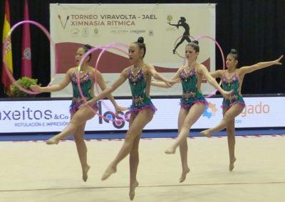 gimnastas con aro en torneo viravolta jael